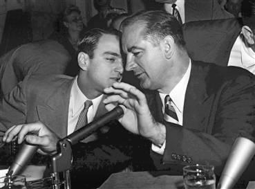 """McCarthy durante una de las sesiones de la """"Caza"""""""