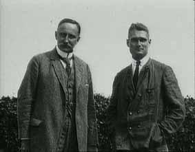 Un joven Hess con su mentor, Karl Haushofer